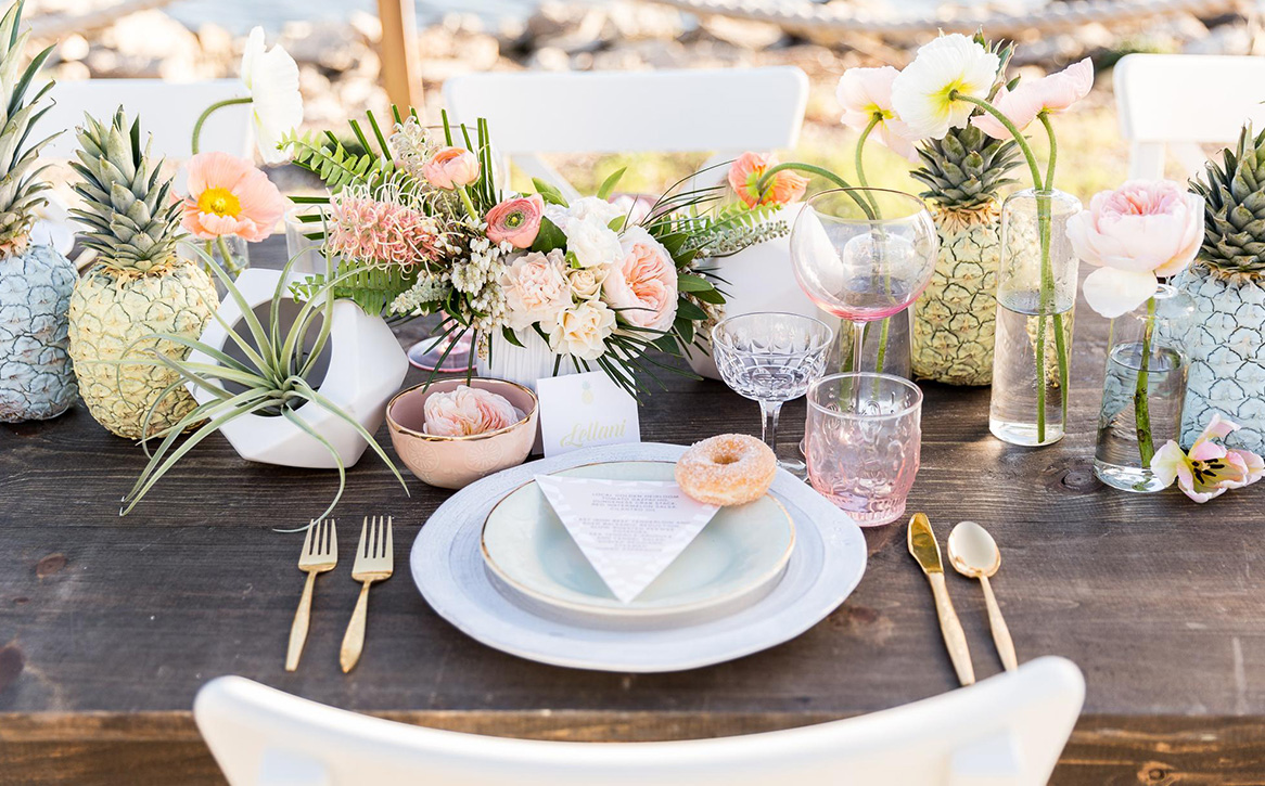 10 Times Pineapples Proved to be the best Decor Elements at Weddings