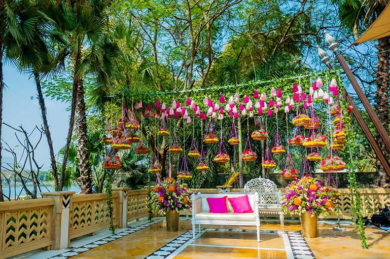 Fun Décor Ideas to Jazz up Your Intimate Mehndi Celebration