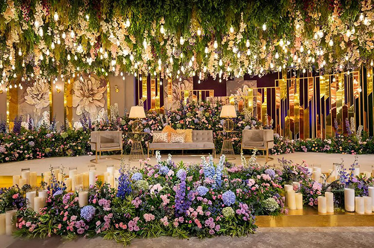 This dreamy engagement decor by The A-Cube Project is a treat for the eyes