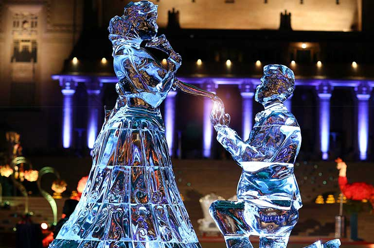 Give Your Summer Wedding Some Chilly Vibes with these Ice Sculpture Designs