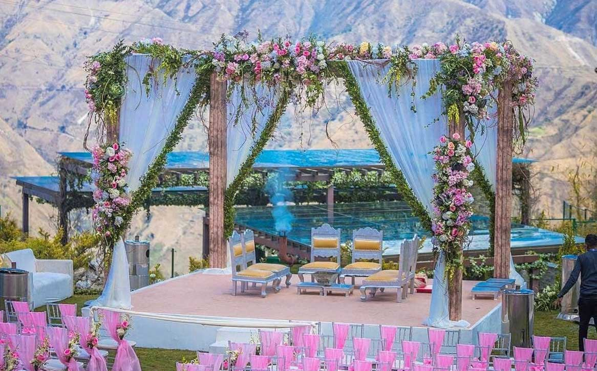 Royal & Regal Mandap Decor - A Perfect Addition for Memorable Wedding
