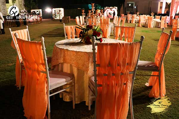 Ivory-Peach Wedding Theme